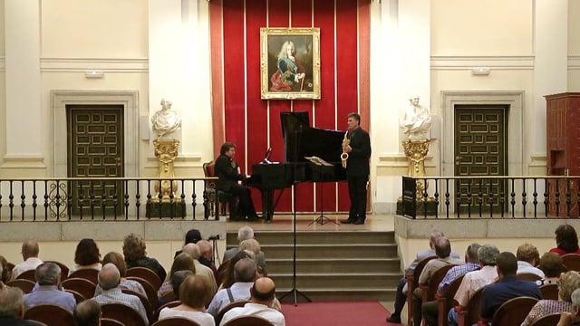Escoda, Martinez en Bellas Artes; Concertango de Luis SerranoB